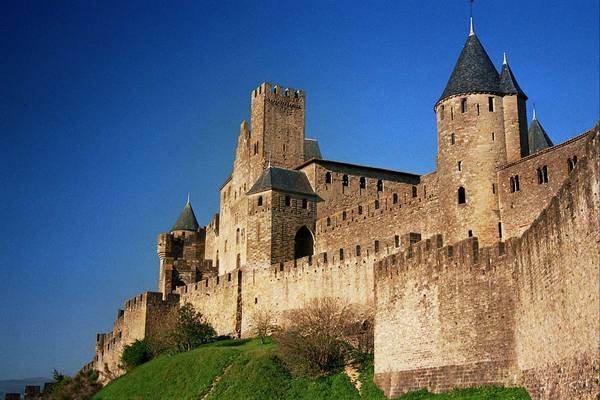 Puntaldiya castles and fortresses of the meeting cycle with travelers