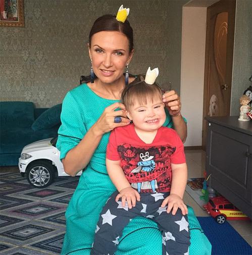 Эвелина бледанс и ее сынок игра задания для черепашек ниндзя