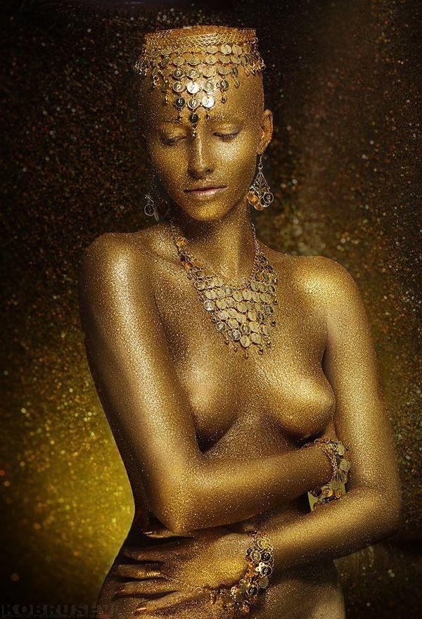 секс женщины в золоте фото-ьв2