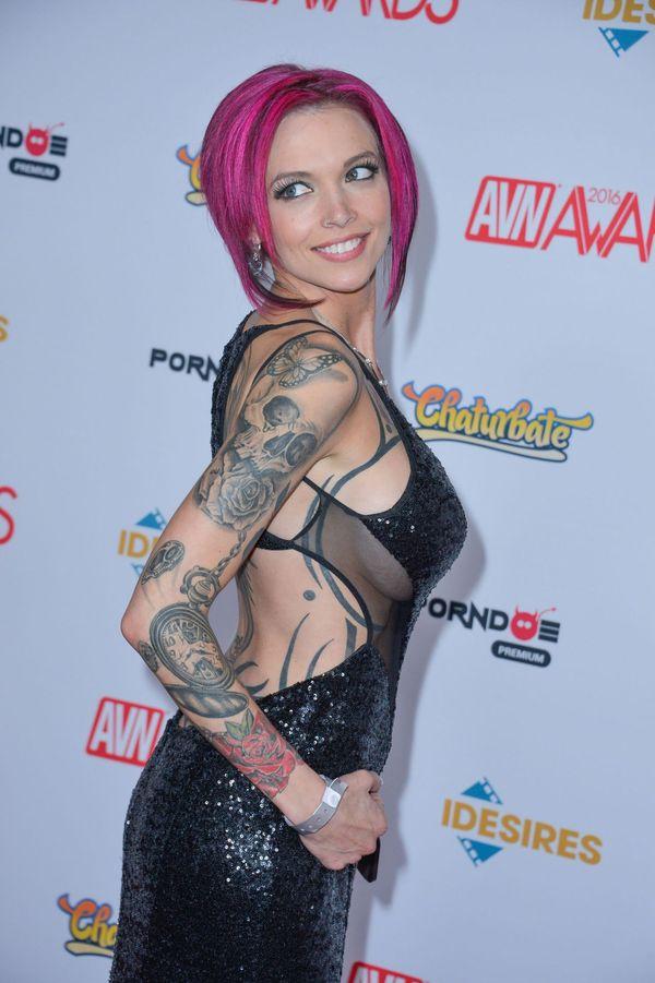 Одна из девушек с AVN Awards Девушки, Фильмы для взрослых, Церемония