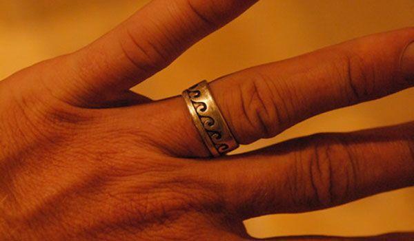 Перстень амулет на мизинце амулет проблемы с давлением