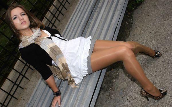 фото девушек в колготках и юбках фото
