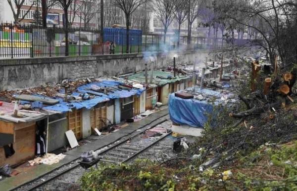 Цыганские трущобы на окраине Парижа Цыгане, Трущобы, Париж, Из сети, Факты, Длиннопост