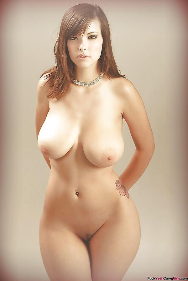 Голые женщины с пышными бедрами фото 60405 фотография
