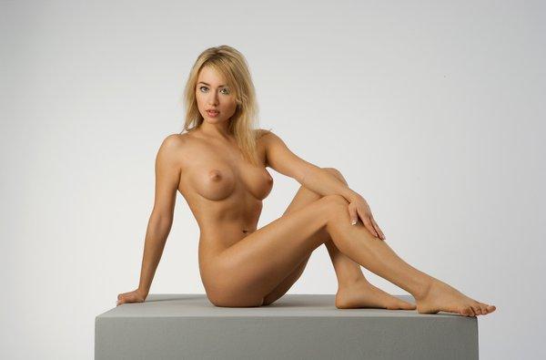 русские фотомодели ню девушки