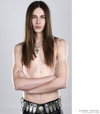 порно актеры с длинными волосами