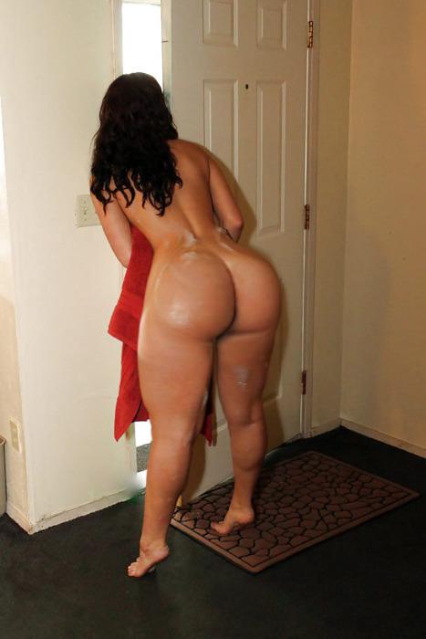 Огромные голые попы женщин фото 12018 фотография