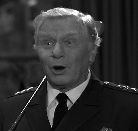 Умер исполнитель роли коменданта Лассарда в «Полицейской академии»  Джордж Гейнс