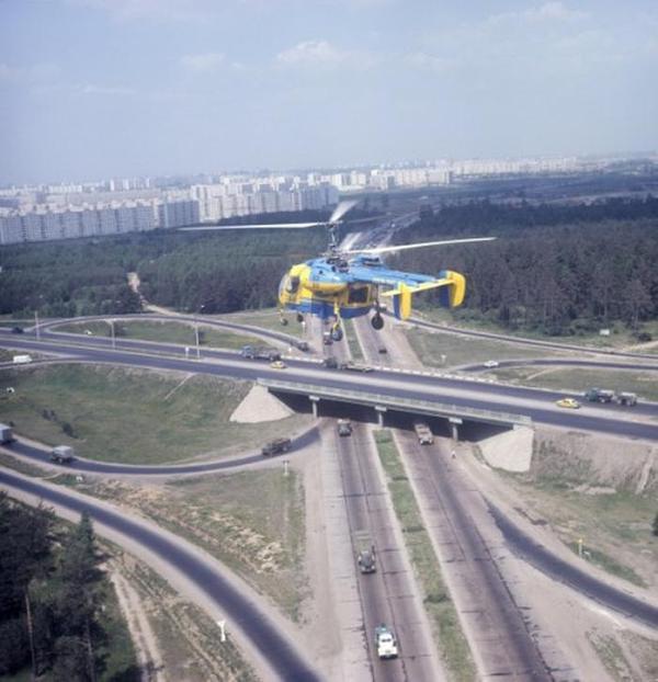 Вертолет ГАИ контролирует обстановку на МКАДе, 1973 год