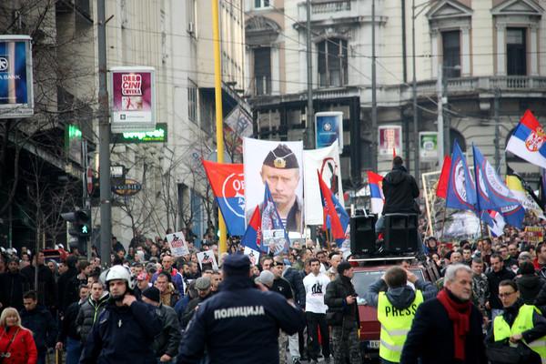 """Сербия. Только что в центре Белграда услышала """"Вставай, страна огромная!"""" Политика, Сербия, Белград, Длиннопост, Против НАТО, НАТО, Демонстрация, Протест"""