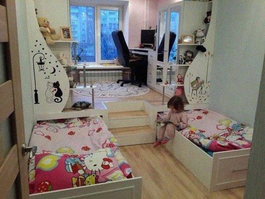 Идея для детской комнаты... Подиум с выдвижными кроватками