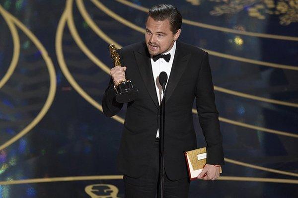 Можно поздравить Лео с долгожданным Оскаром!