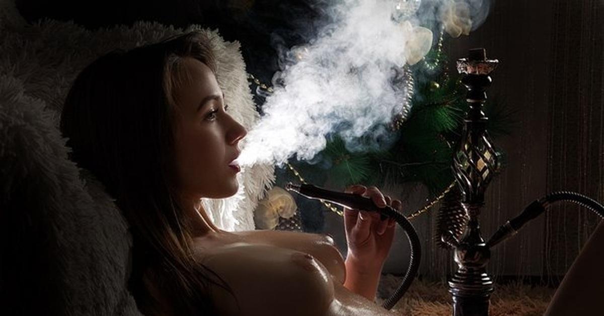 огромный член порно курящие кальян почувствовал