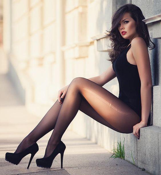 Фото женщин красивых в колготках