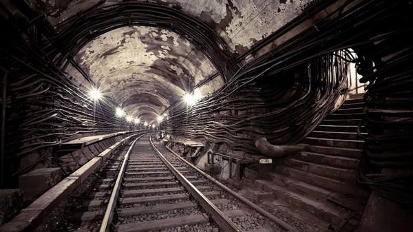 Жуткие легенды метро разных городов России история, Легенда, метро, невероятное, длиннопост