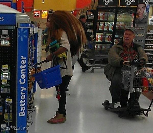 Соник в магазине