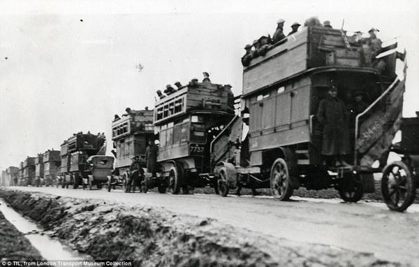 Двухэтажные автобусы на войне Автобус, Война, Длиннопост
