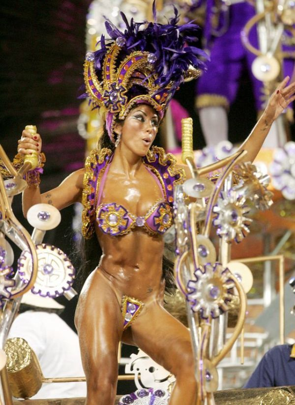 Ролики бразильского секса на карнавале