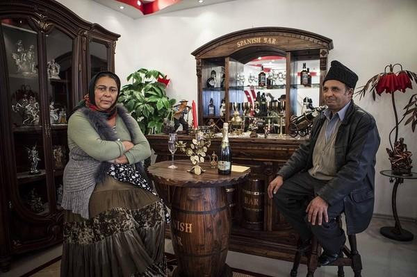 Цыганский рай из ворованной в Европе меди Румыния, Цыгане, Роскошь, Воровство, Длиннопост