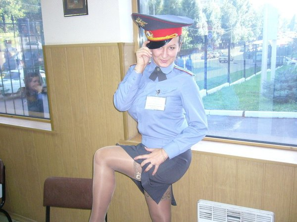 porno-foto-russkih-devushek-militsionerov