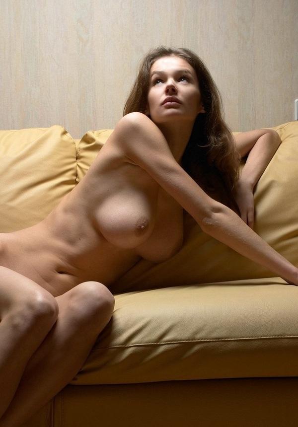 Одинокие голые женщины фото