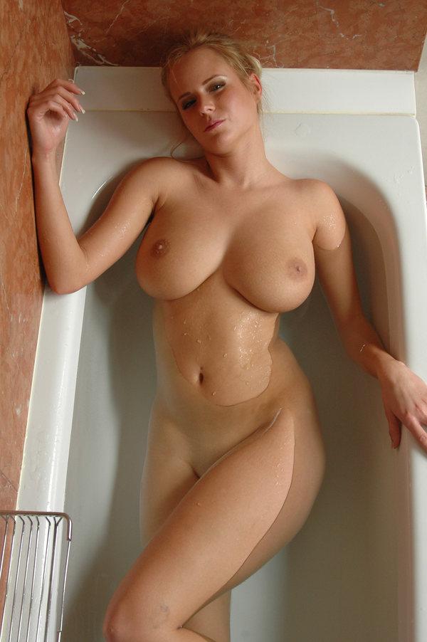 бландинки 4 размер груди голые фото