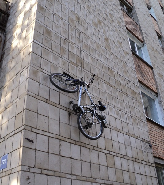 Если в квартире места мало... Велопарковка, Томск