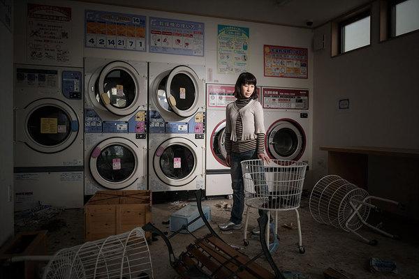 Жители Фукусимы и их фотографии на прежних местах работы Фукусима, АЭС, Авария, Япония, Длиннопост