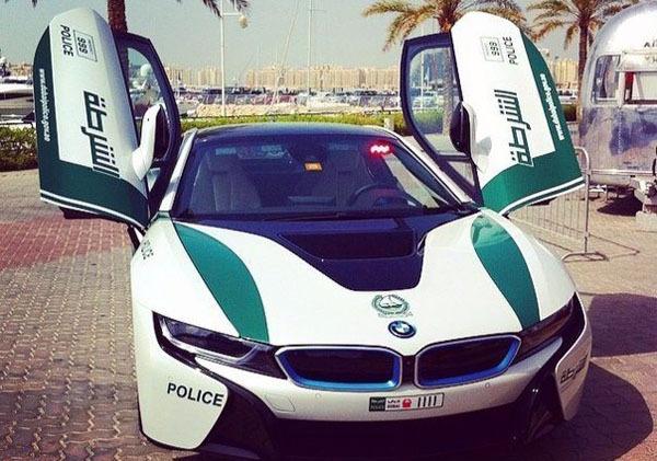 Дубай полиция машины видео частные дома в испании