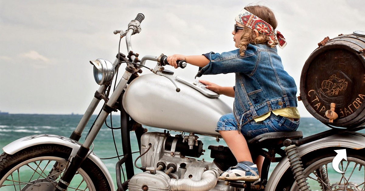 childrens bikers deliver bears - HD1600×1000