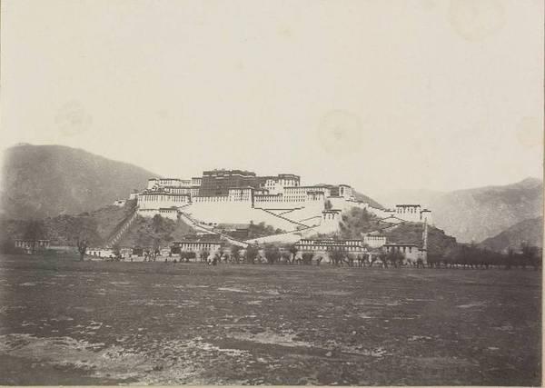 Первые фотографии Тибета в 1900 году