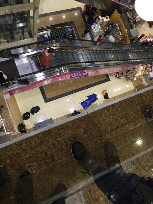 Ужасный случай в Рязани. Парень разбился в торговом центре Рязань, ЧП, премьер