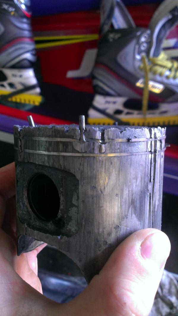Ёжик или что будет, если не лить масло в двухтактный двигатель