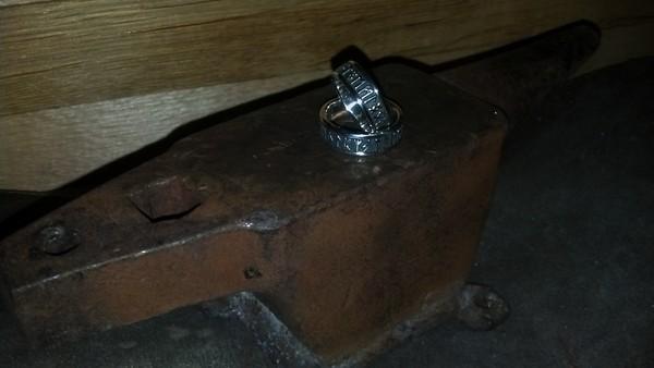 Обручальные кольца на наковаленке ювелир, романтик, Мысли вслух, обручальное кольцо, молот тора, наковальня, моему подписчику, длиннопост