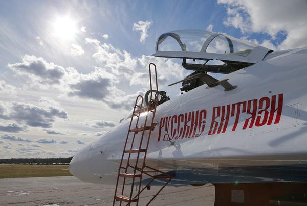 «Русские витязи» отмечают 25-летний юбилей Русские витязи, Вооруженные силы, Юбилей, Авиация РФ, Видео, Длиннопост