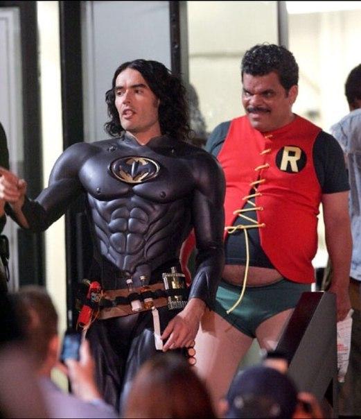 Тот момент, когда Робин наводит на преступников больше ужаса, чем Бэтмен