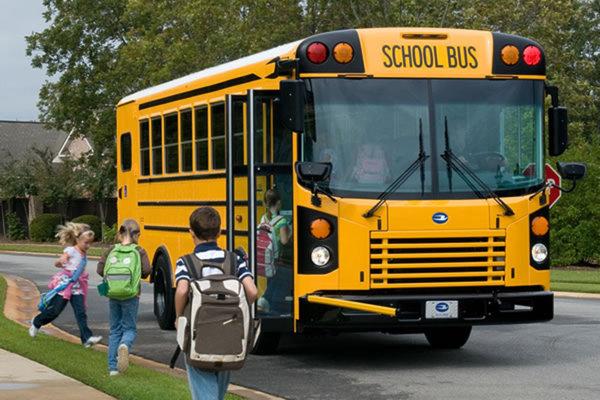 Видео мальчик дрочит в автобусе фото 195-595