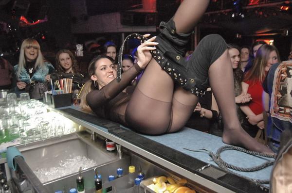 Фото девушек частное в клубах