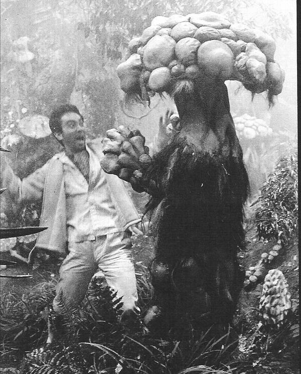 """Японский фантастический триллер """"Грибы-террористы"""", 1963 год"""