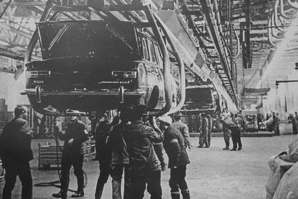 Рабочих АВТОВАЗа лишают премий за отказ работать в обед АвтоВАЗ, Рабочие, Тольятти, За державу обидно, Не рабы, Простой человек, Renault-Nissan