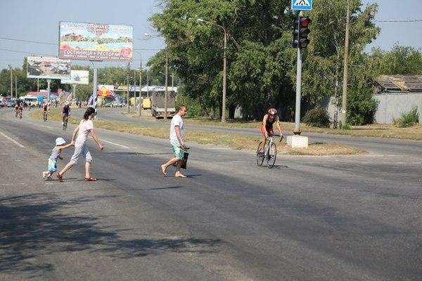 Велогонка в моём городе: набережная перекрыта от машин