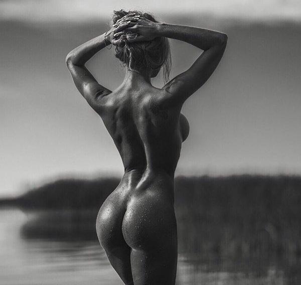 Фото ню черные