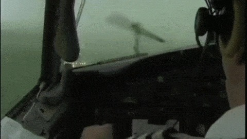 """Работа штурвалом при посадке Боинга-727 в плохую погоду (Вес машины под сто тонн и 120 человек """"за плечами"""") Пилот, Мастерство, Боинг, Посадка, Хреновая погода, Гифка, Видео"""