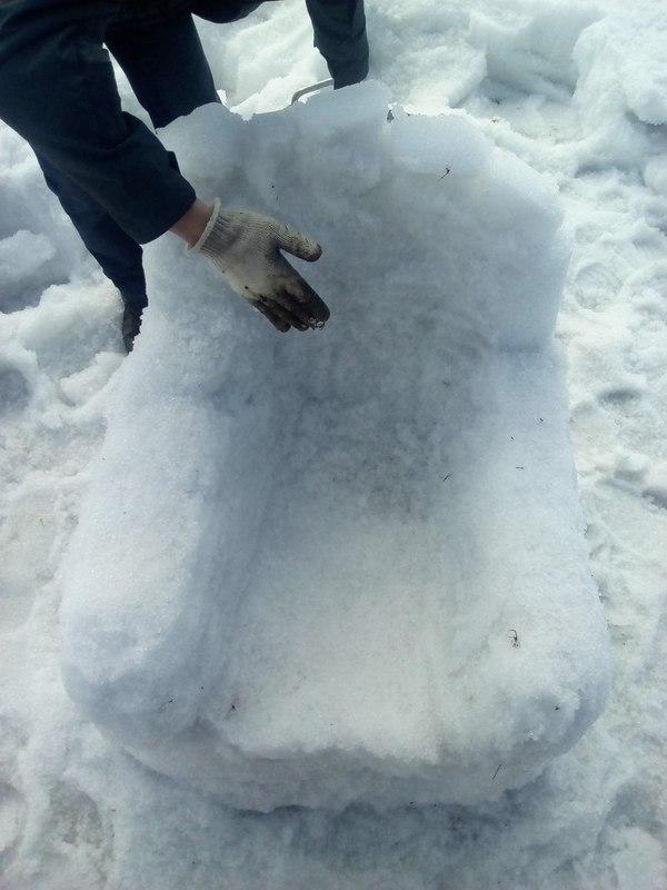 Сделали кресло из снега Кресло, Минусы
