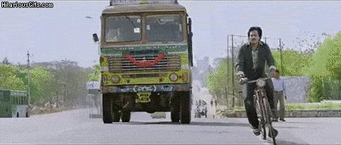 Индийское кино и велосипедист Индия, Фильмы, Велосипедист, Гифка, Болливуд