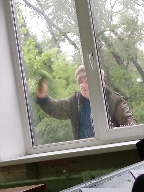 Дождь. Кажется время мыть окна в универе