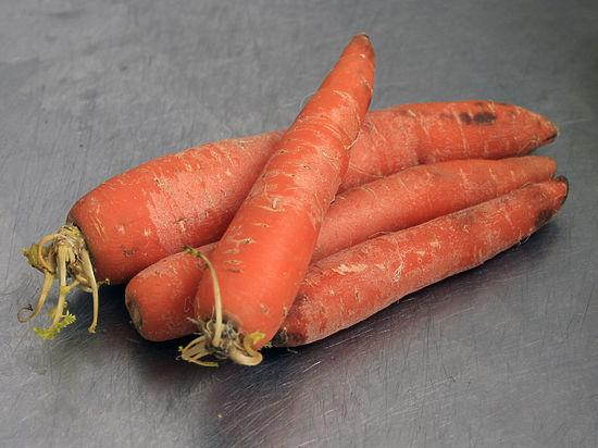 Морковь в мужской жопе