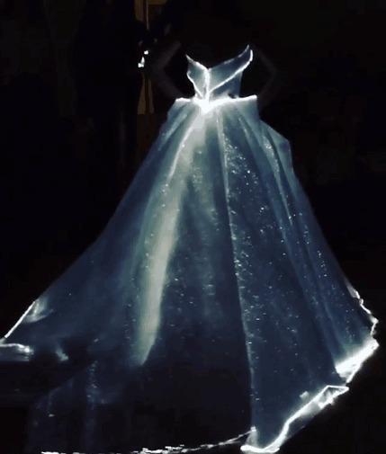 Светящиеся платье в темноте