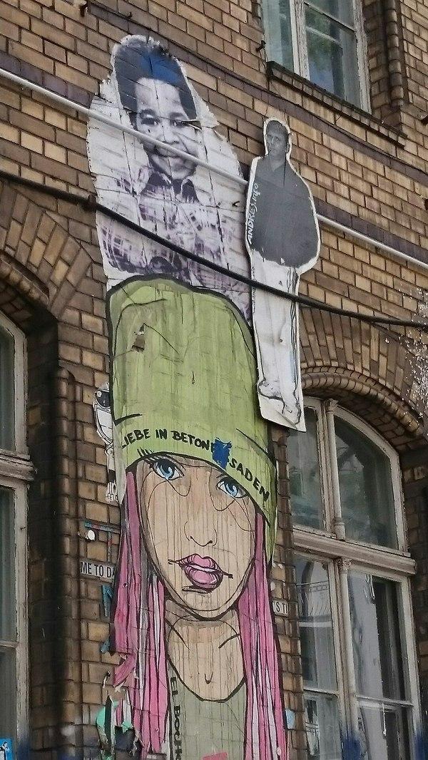 Свидетель из Фрязино добрался до Европы Свидетель из фрязино, Свидетель, Берлин, Граффити