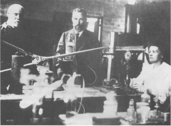 a biography of marie and pierre curie the chemists